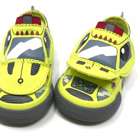 e247fcdf68abab 🚖Rare Converse Tow Truck Sneaker (Infant sz 3)